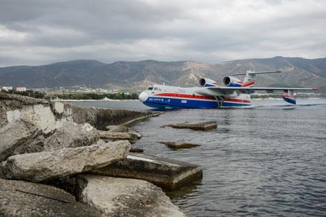 Selain Su-35 Indonesia Juga Berencana Beli Empat Pesawat Amfibi Be-200 Rusia