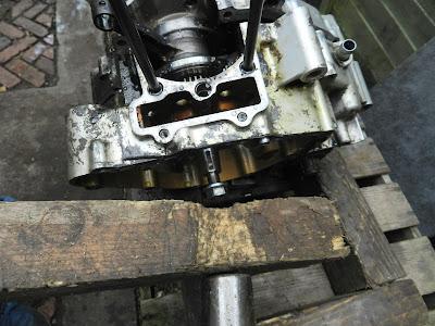 Honda CBR 125 Crankcase split engine strip down