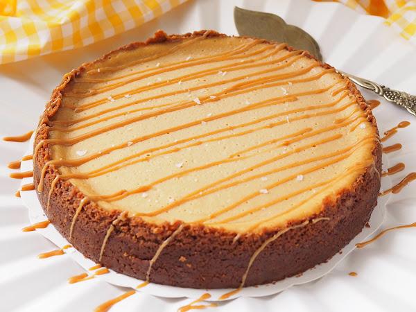 Taivaallinen suolainen kinuskijuustokakku – Salted Caramel Cheesecake