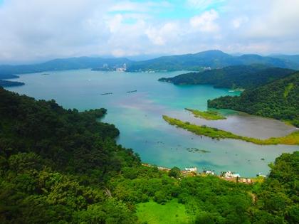 ทะเลสาบสุริยันจันทรา (Sun Moon Lake: 日月潭) @ www.pinterest.com