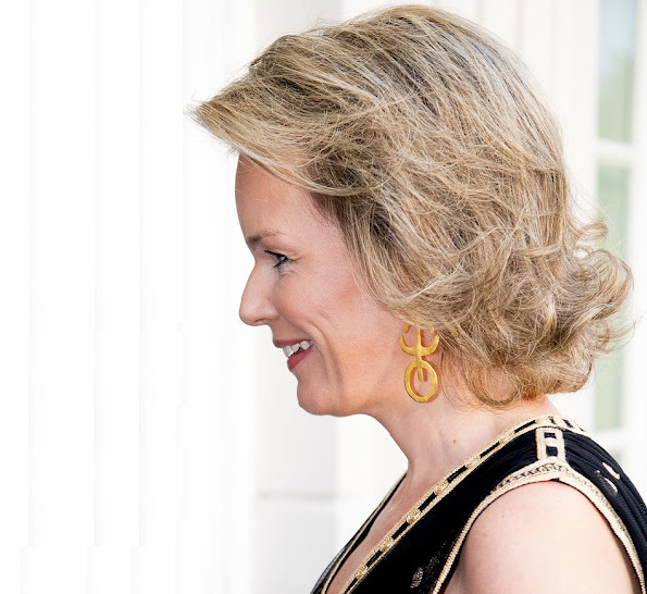 Queen Mathilde style DVF - DIANE VON FURSTENBERG Vivanette Embroidered Tulle Goddess Gown, A Bag With A Story Clutch