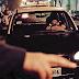 ¡Y no fue Arjona! Una mujer se tomó un taxi con su amante y el chofer era su esposo