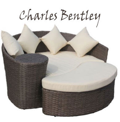 Charles Bentley Garden Wicker Rattan Curved Day Bed With Sofa and Footstoo, Round Outdoor Daybeds UK, Outdoor Daybeds UK, Daybeds UK, Outdoor Daybeds at Amazon.co.uk, Amazon.co.uk, Best Outdoor Daybeds, Outdoor Furniture, Quality Outdoor Daybeds,