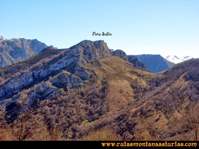 Ruta al Pico Pierzu: Vista de la Peña Salón