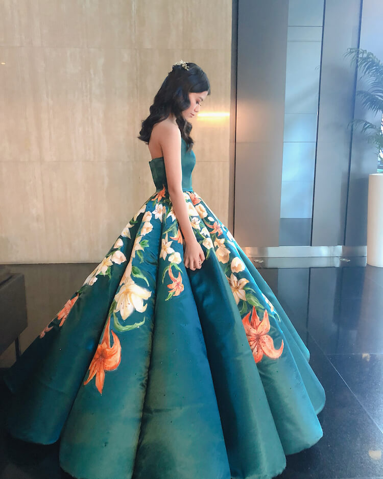 Teenager Hand-Paints Her Own Gorgeous Graduation Dress