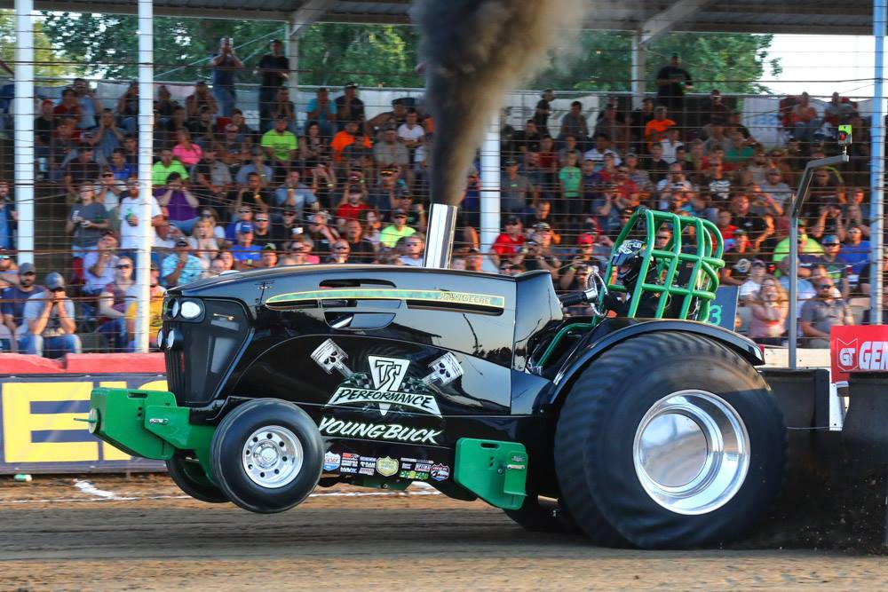 Pro Stock Pulling Tractors : Tractor pulling news pullingworld lucas oil pro
