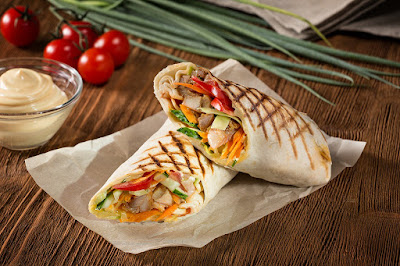 шаурма, шаурма домашняя, лаваш, лаваш армянский, кухня армянская, из лаваша, блюда из лаваша, закуски, закуски из лаваша, закуски с мясом, закуски с овощами, еда, рецепты, рецепты кулинарные, рецепты шаурмы, быстрый завтрак, быстрое питание, как сделать шаурму своими руками, как готовить шаурму,