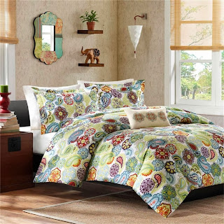 Tamil Comforter Set Size: Full / Queen