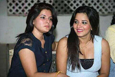 Smiriti sinha with co star