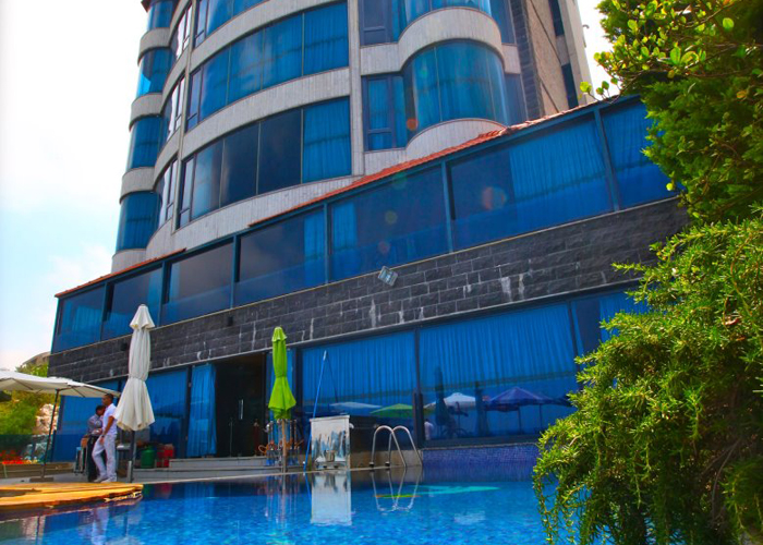 Bay lodge boutique hotel 5 luxury hotel in jounieh for Boutique 5 star hotels