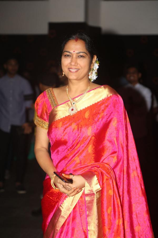 Beautiful Telugu Actress Hema Photos In Orange Saree
