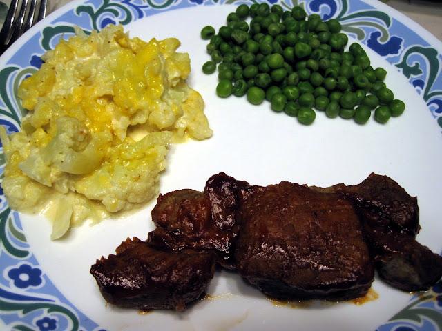 low carb cheesy cauliflower au gratin
