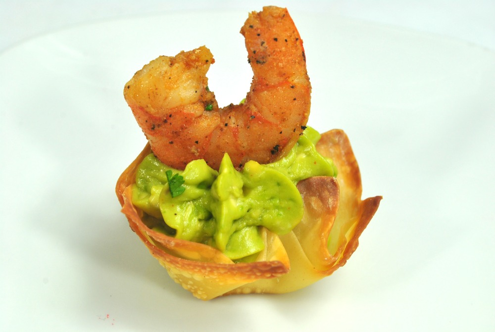 guacamole cajun shrimp appetizer perfect for a wedding