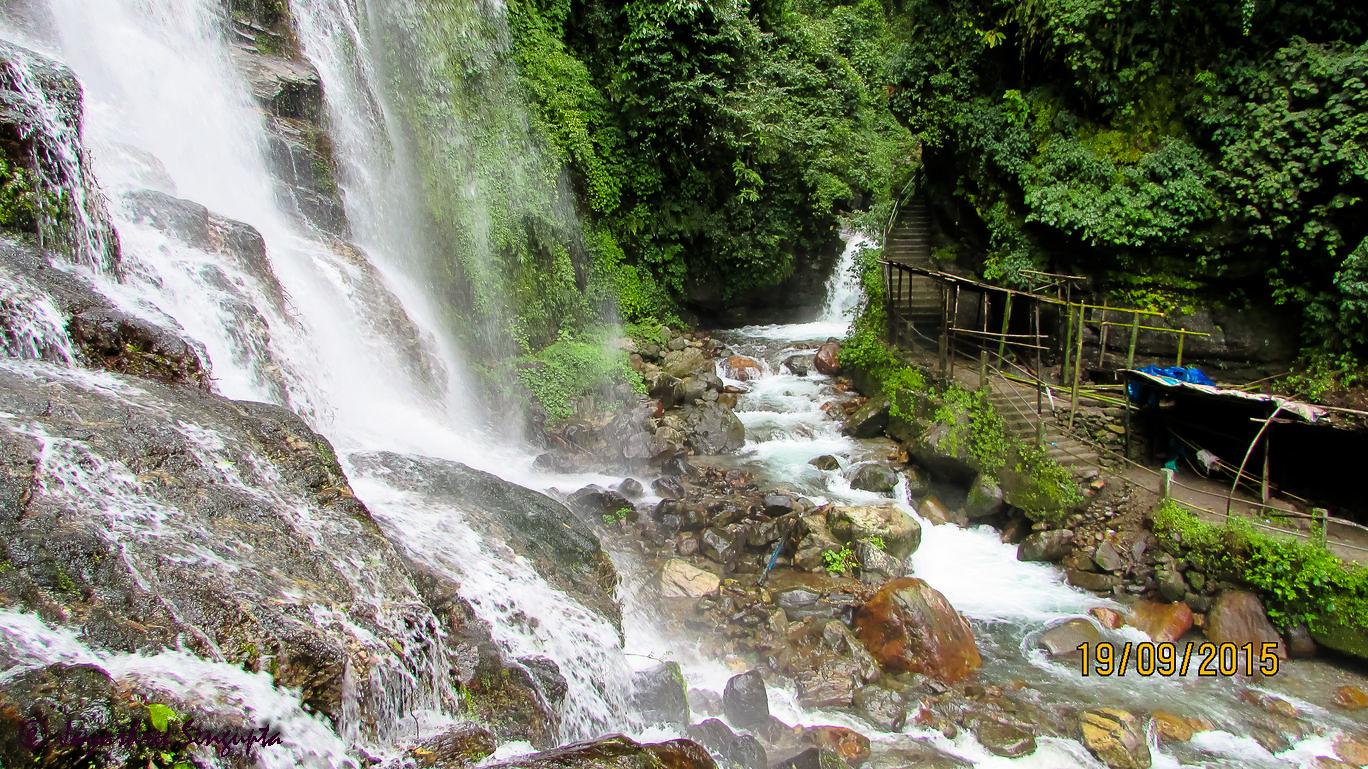 Kanchendzonga Falls of Pelling  @DoiBedouin