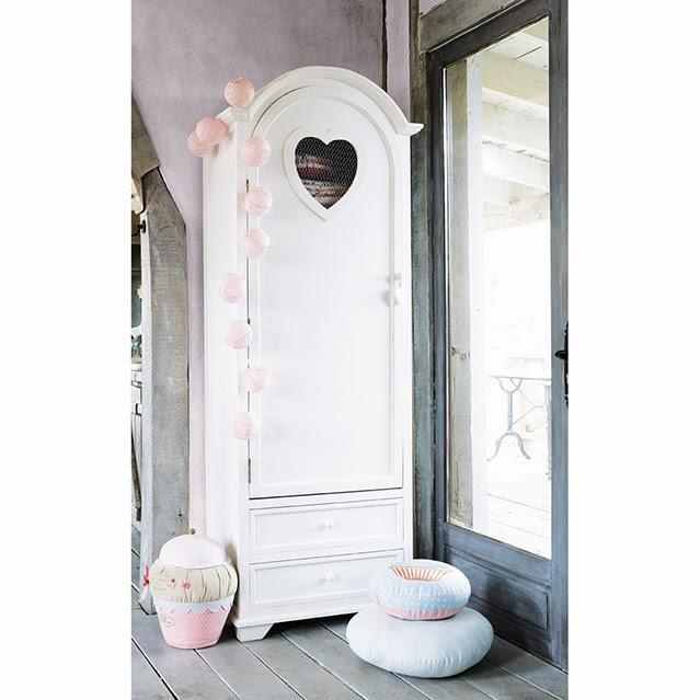 ideas-decoracion-rincon-especial-casa-guirnalda-farollillos-maisons-du-monde-top-blog-deco