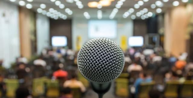 7 Tips Agar Percaya diri berpidato di depan umum dan disenangi Audiens