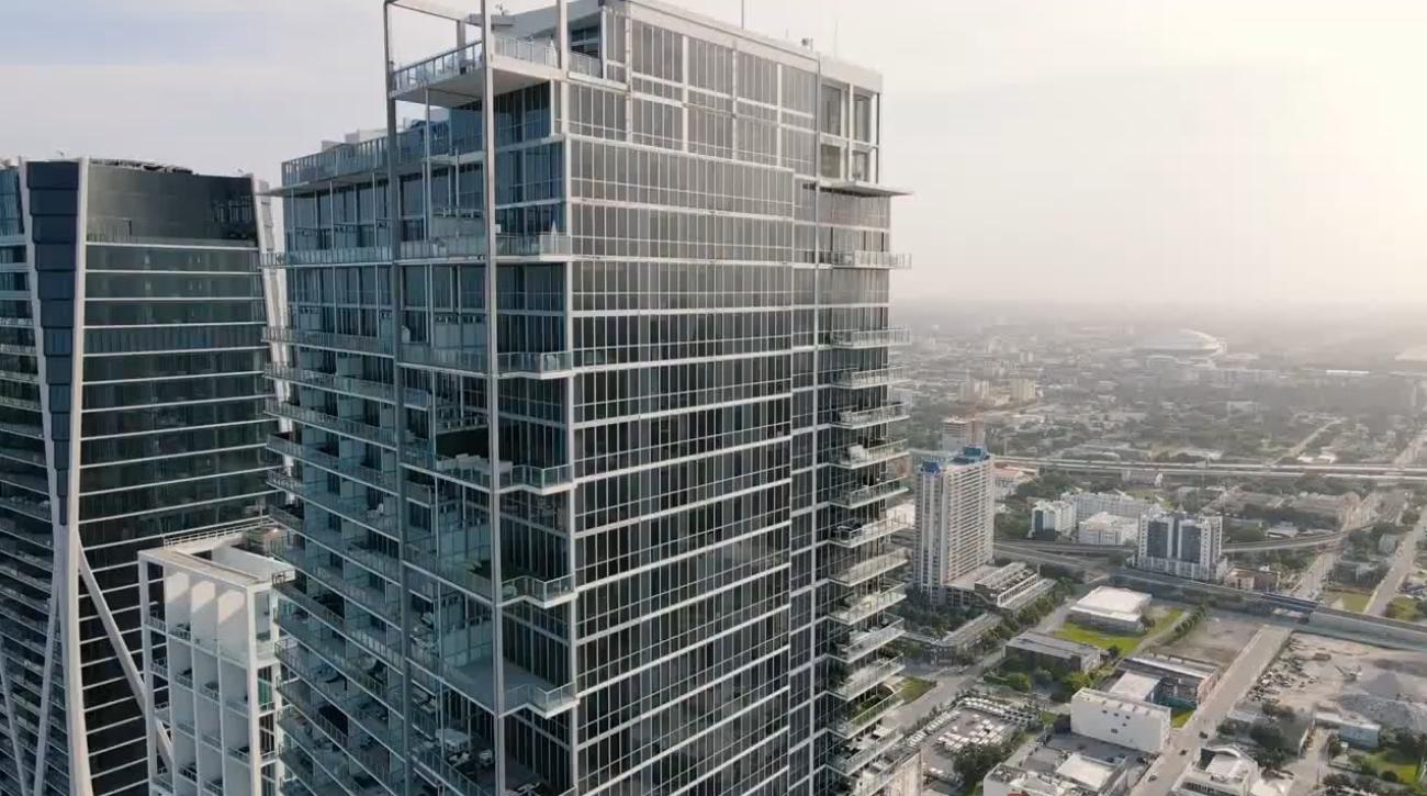 13 Photos vs. 1100 Biscayne Blvd. #6307, Miami Condo Interior Design Tour