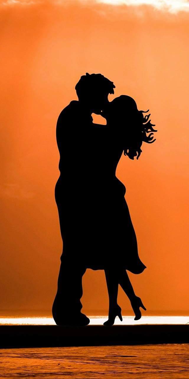 خلفيات الحب تحت ضوء القمر ( خلفيات موبايل )