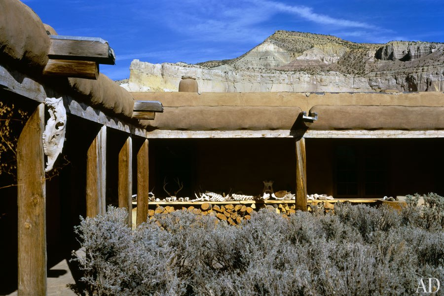essay georgia ghost okeeffe photo ranch The american artist georgia o'keeffe had been living alone on the ghost ranch in new mexico for seventeen years when photographer john loengard, on assignment for.
