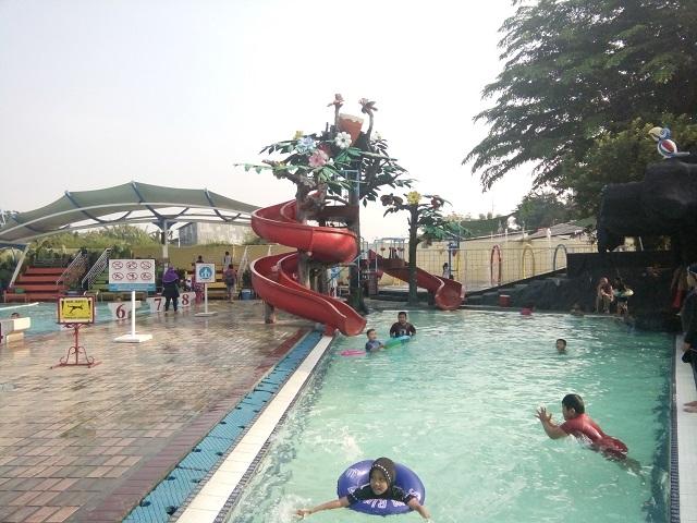 perosotan anak Kolam Renang HS Agung kolam renang murah
