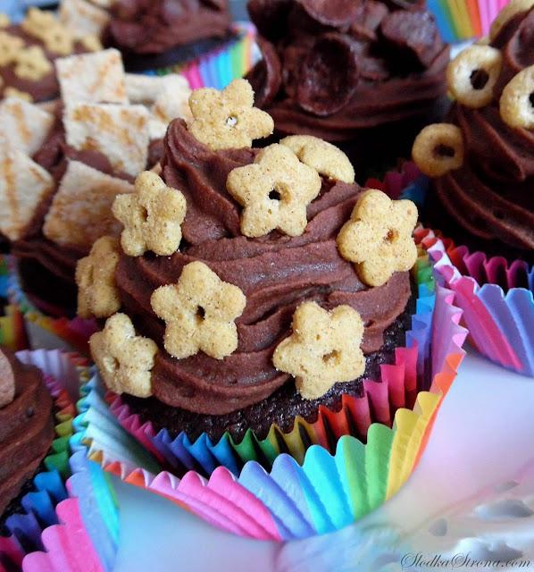 Czekoladowe Babeczki z Płatkami Śniadaniowymi Lubella - Słodka Strona - Przepis