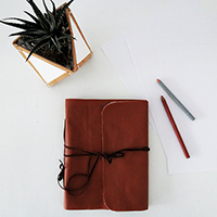 http://www.ohohblog.com/2016/01/diy-notebook-cover.html