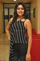 Akshida in Black Tank Top at Kalamandir Foundation 7th anniversary Celebrations ~  Actress Galleries 025.JPG