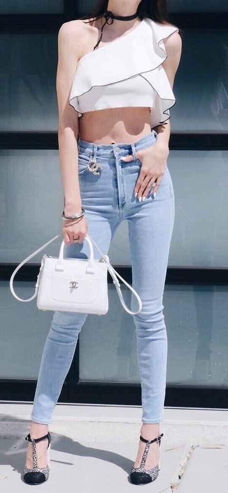 casual style perfection: top + skinnies + heels