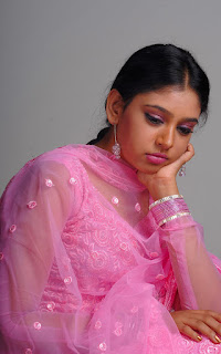 Neethi Taylor Stills from Kaliyugam
