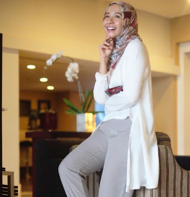 hijab simple  Ala Laudya Cintya Bella