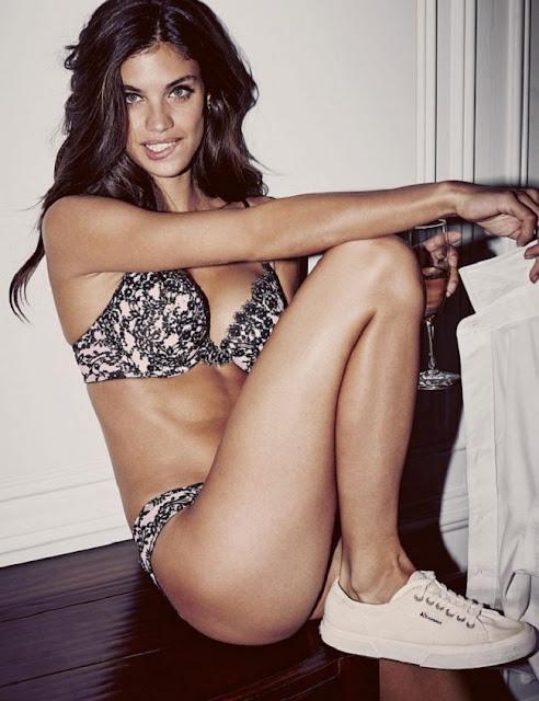 Hot girls Sara Sampaio sexy Victoria's Secrets model