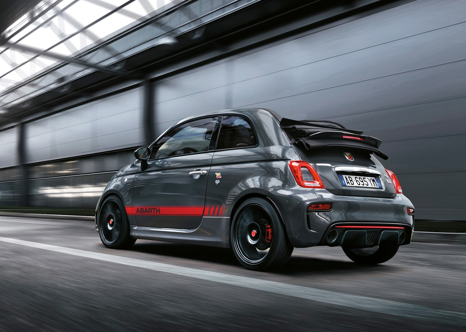 abarth blog black label abarth 695 xsr yamaha limited edition. Black Bedroom Furniture Sets. Home Design Ideas