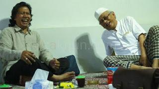 Cak Nun, NU Apa Muhammadiyah?