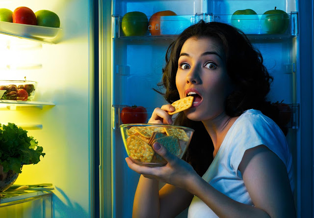 Stop Emotional Eating With These 5 Tips