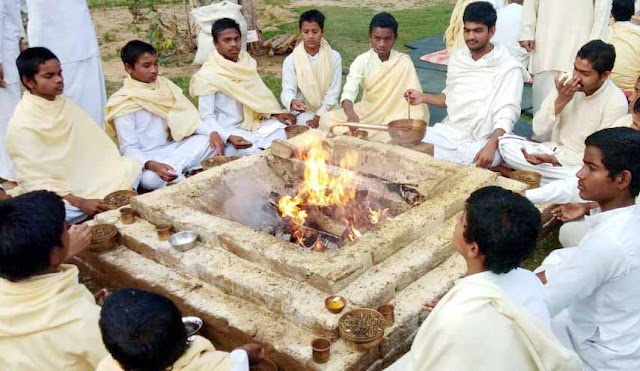 Tribute to the martyrs of Pulwama in the Gurukul Manjhali by the 1.2 million Gayatri Ritual