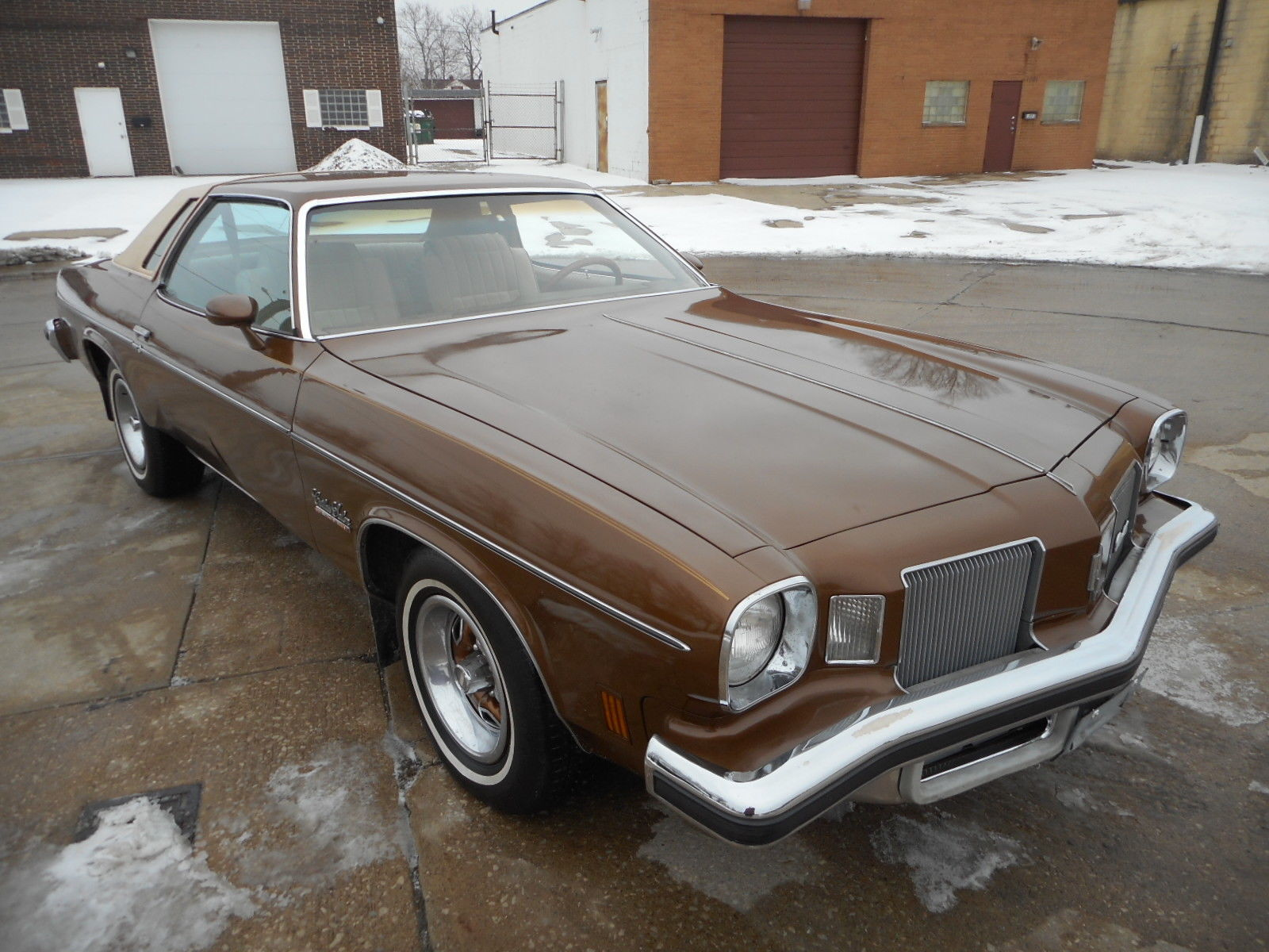 Daily turismo auction watch 1974 oldsmobile cutlass salon for 1974 oldsmobile cutlass salon