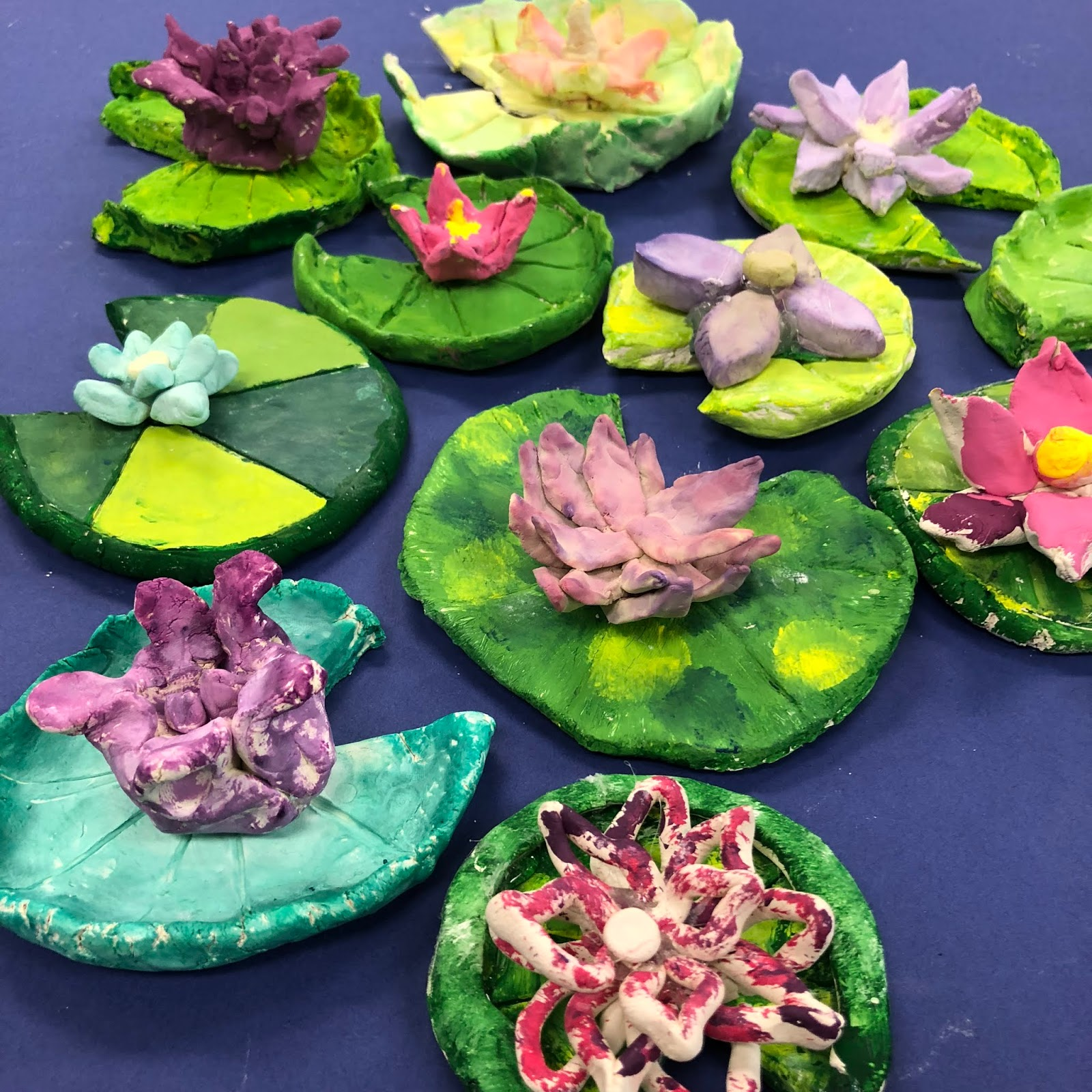 July Member Make: Crepe Paper Water Lily - Lia Griffith | 1600x1600