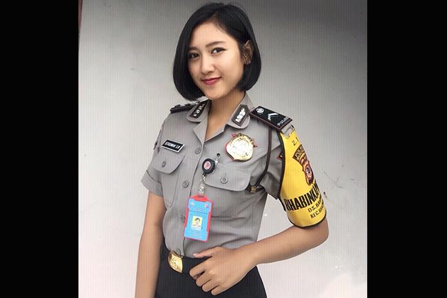 Suara Polisi Wanita:  Bripda Istiqomah Sri Rahayu dan Bripda Eny Setyaningrom