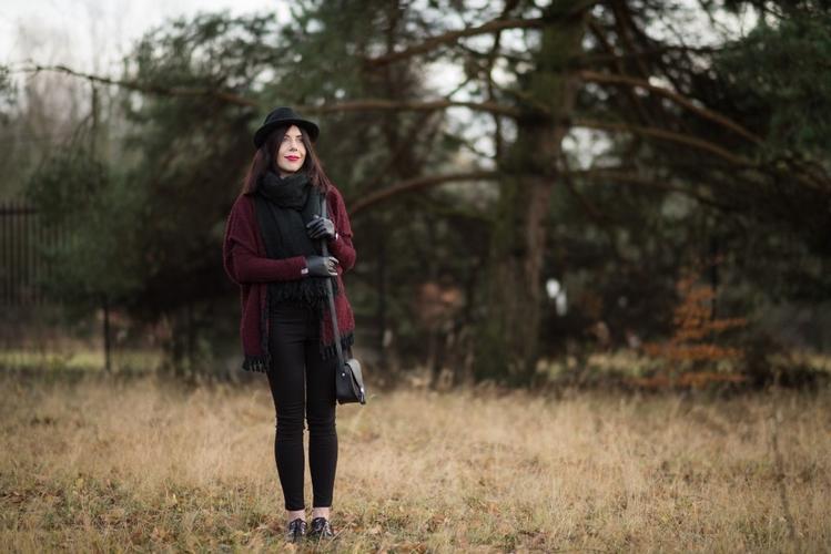 sesja-kapelusz-plener-jesień