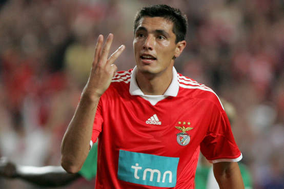 Benfica will enter 2013 as the first place team in the Liga Zon Sagres.  With 12 games played the team is undefeated with 10 wins 7b046d0b06fc2