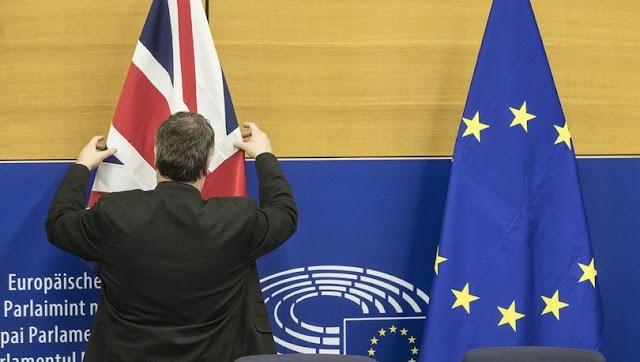 İngiltere'de yeni Brexit anlaşması da reddedildi