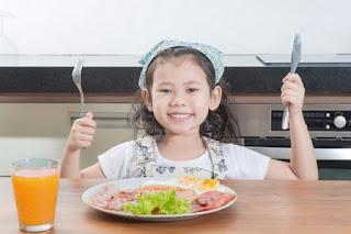 Jenis Makanan Yang bisa membantu meningkatkan kecerdasan anak