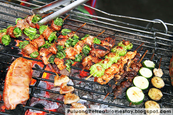 eat grilled pork in pu luong nature reserve