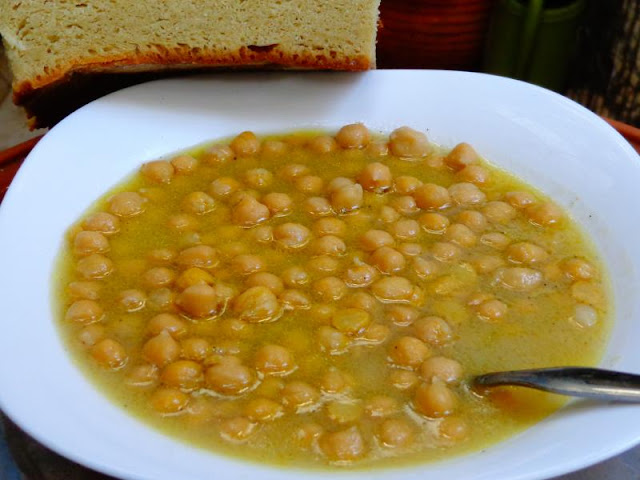 Ioanna's Notebook - Chickpeas soup