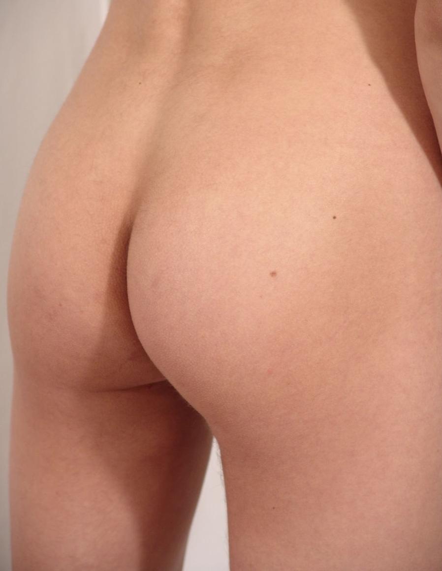 Miranda priestly licks clit
