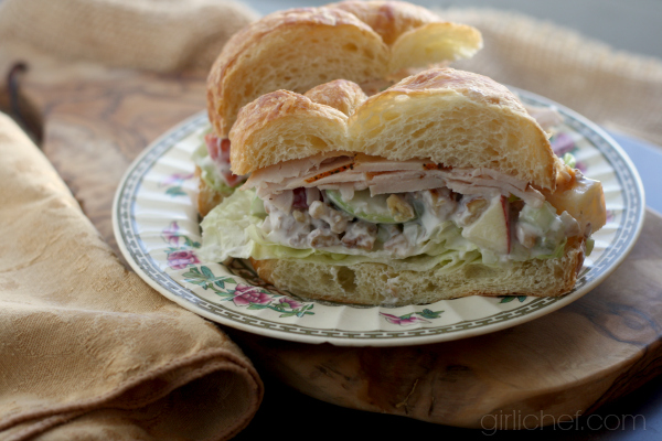 Turkey Waldorf Salad Sandwich #ThanksgivingLeftovers #apples