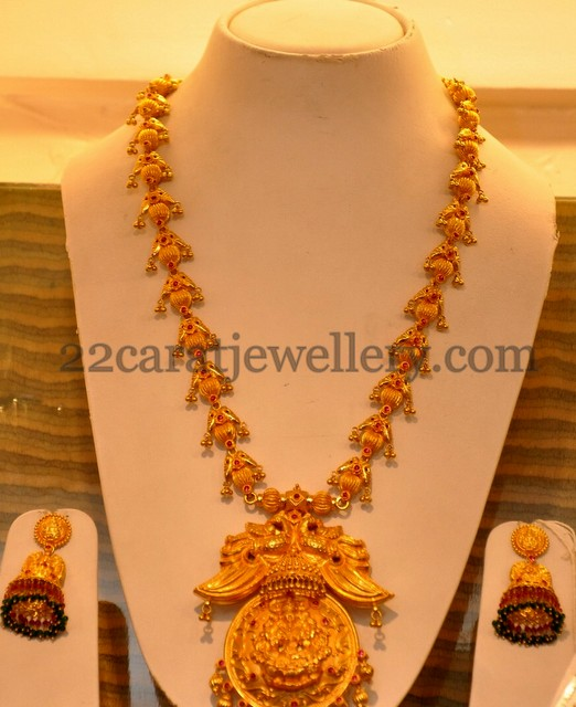 gold latest haram and jhumkis jewellery designs