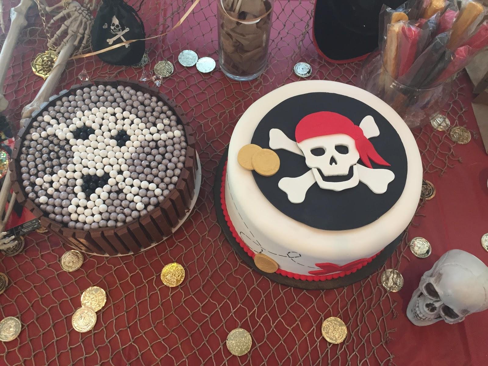 Картинка с пиратами на торт, ура