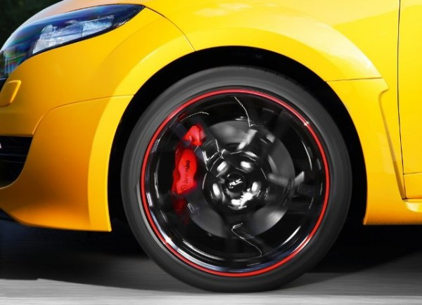 SPOT FOR HOT ENGINES: 2012 RENAULT MEGANE RS TROPHY REVIEW