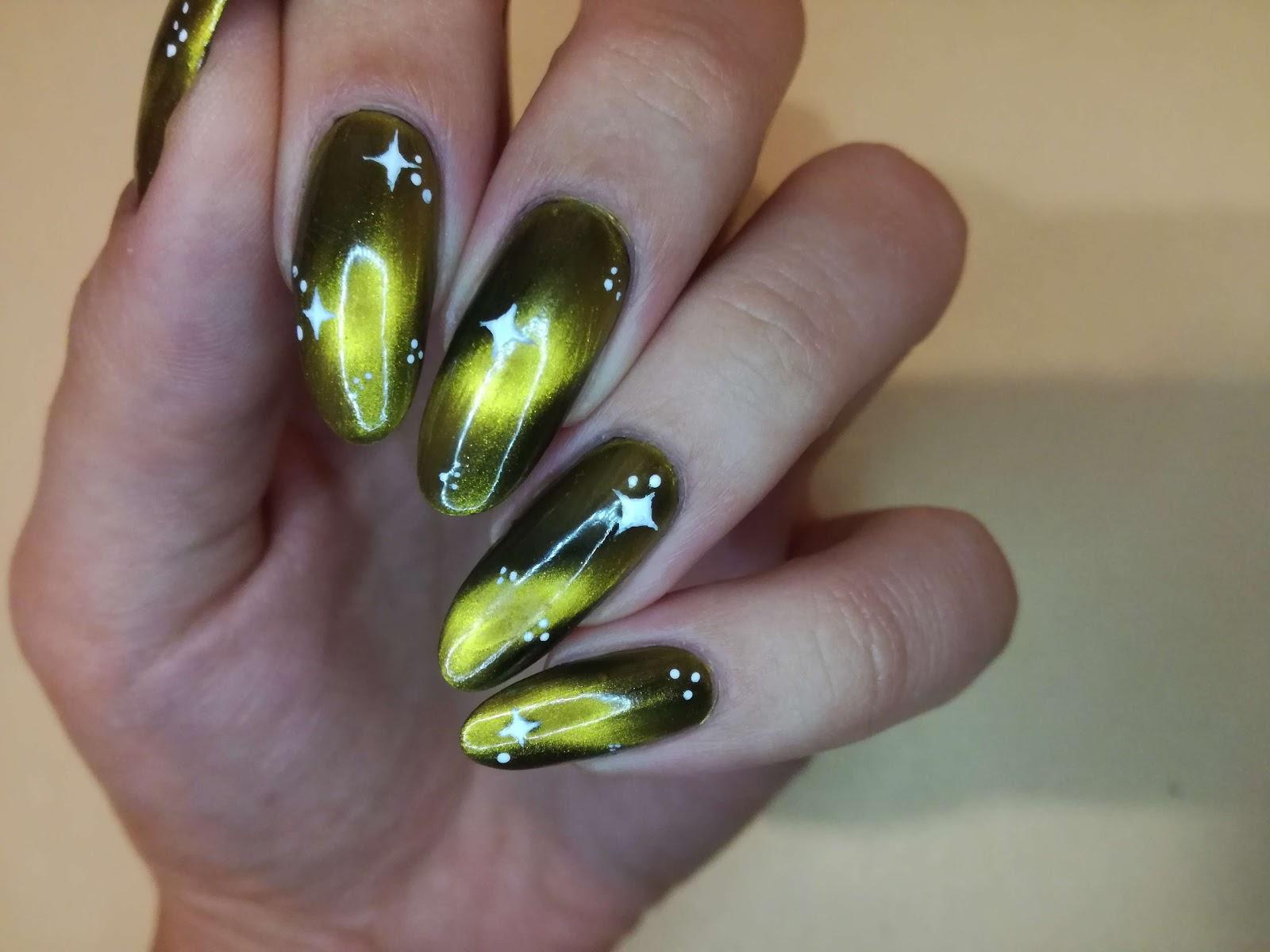zdobienie paznokci w sztucznym świetle